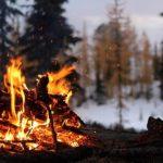 bonfire_snow_white_winter_favim_com_2065143_729x547